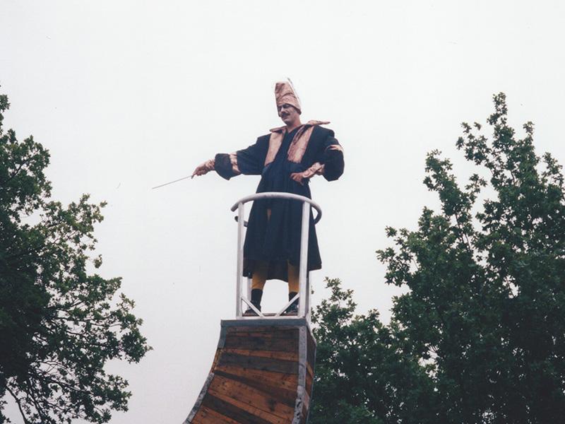1998 16