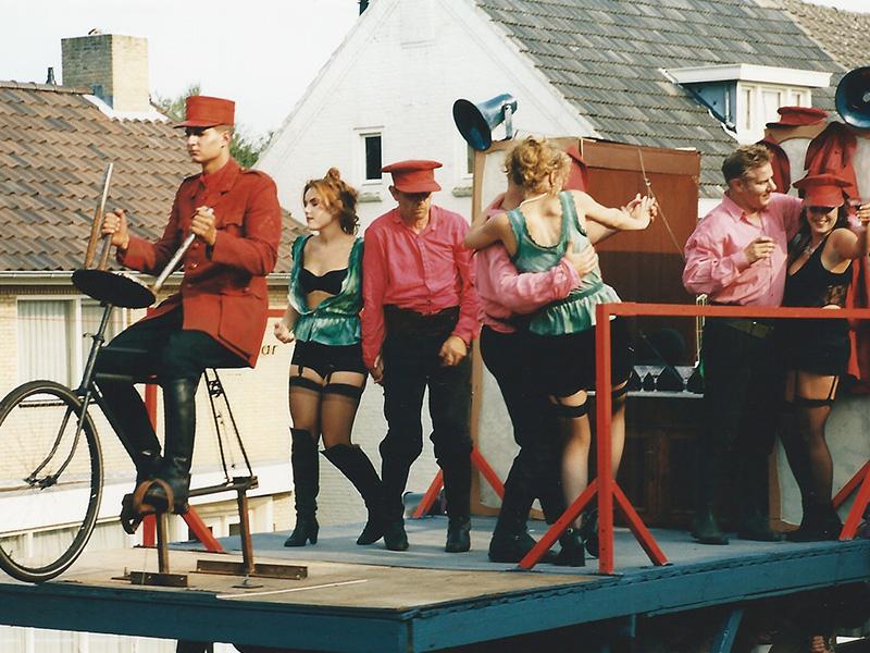 1999 13